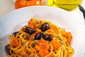 pasta spaghetti puttanesca 2.jpg