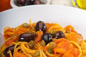 pasta spaghetti puttanesca 7.jpg