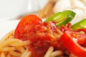 pasta tomato and green peppers 02.jpg