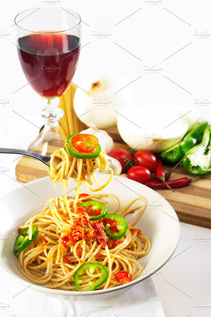 pasta tomato and green peppers 09.jpg - Food & Drink