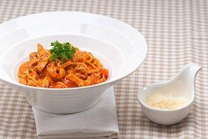 pasta spaghetti chicken tomato home style 08.jpg