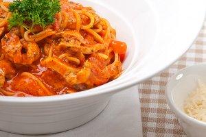pasta spaghetti chicken tomato home style 05.jpg