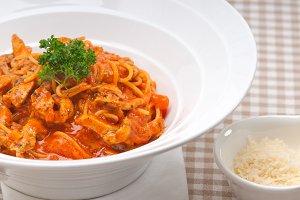 pasta spaghetti chicken tomato home style 03.jpg