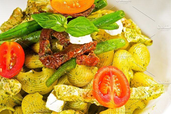 pasta pesto and vegetables 07.jpg - Food & Drink