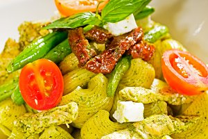 pasta pesto  and vegetables  01.jpg