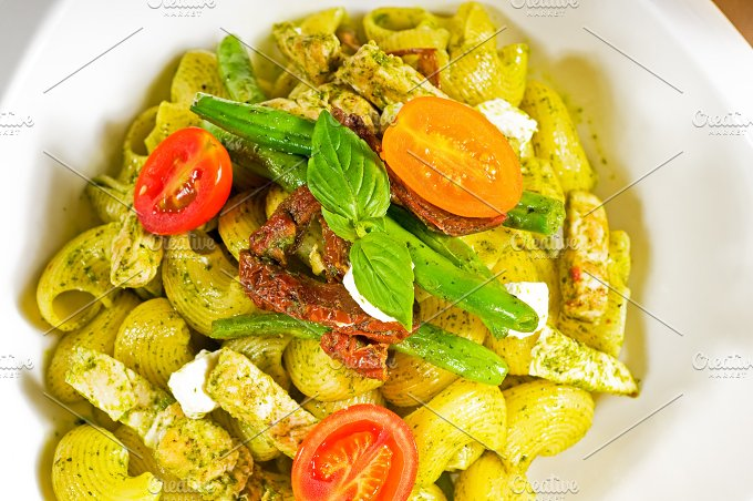 pasta pesto and vegetables 06.jpg - Food & Drink