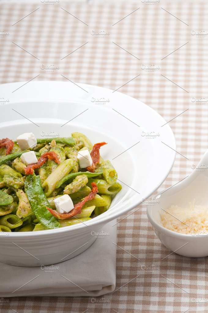 pasta penne pesto chicken and sundried tomatoes 04.jpg - Food & Drink