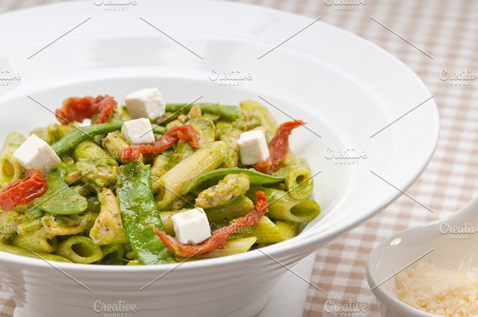 pasta penne pesto chicken and sundried tomatoes 17.jpg - Food & Drink