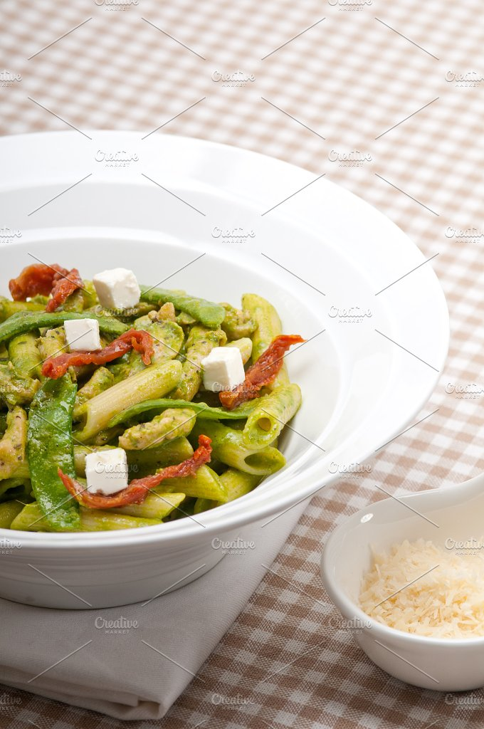 pasta penne pesto chicken and sundried tomatoes 11.jpg - Food & Drink