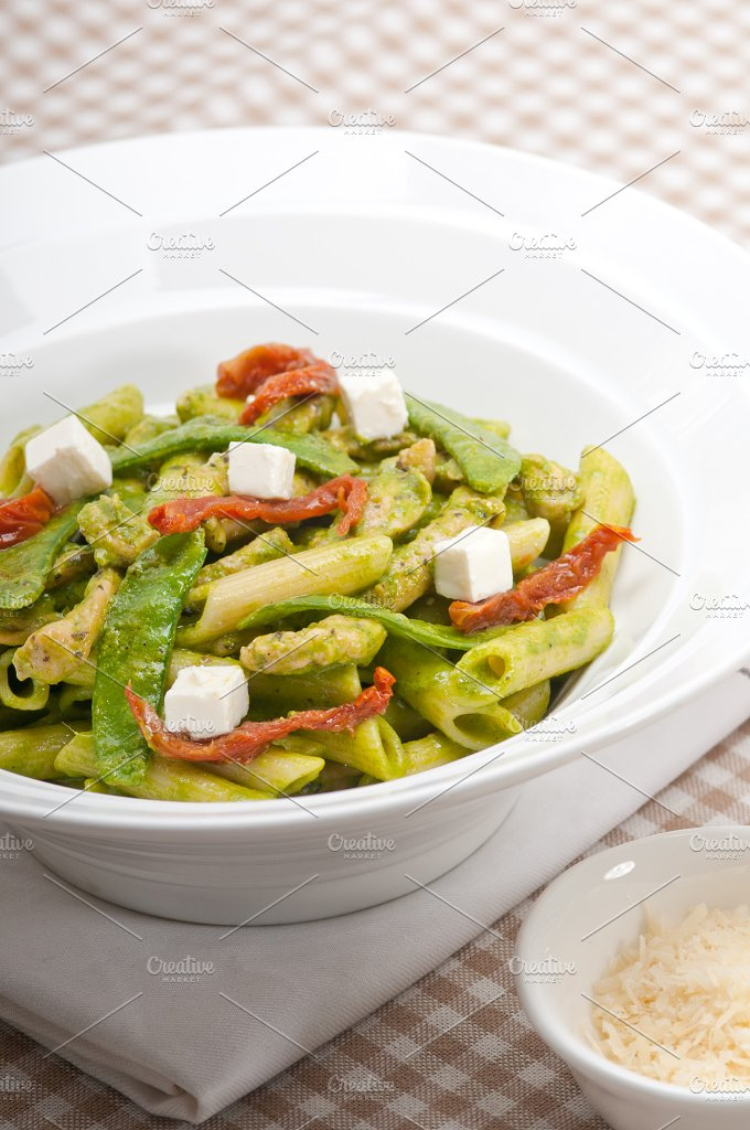 pasta penne pesto chicken and sundried tomatoes 10.jpg - Food & Drink
