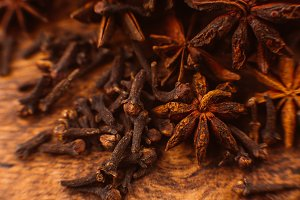Cinnamon sticks with anise star