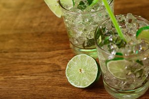 Mint and lime refreshing coctail