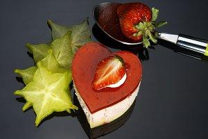 strawberry heart cake 5.jpg