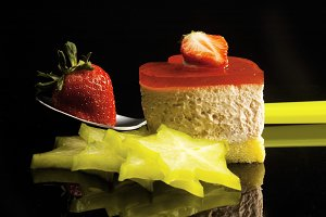 strawberry heart cake 6.jpg