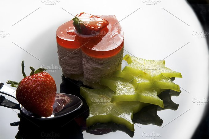 strawberry heart cake 2.jpg - Food & Drink