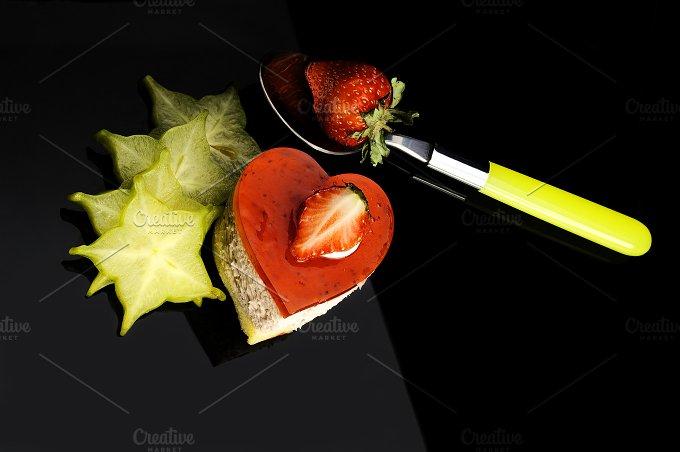 strawberry heart cake.jpg - Food & Drink