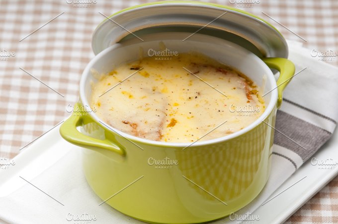 onions soup with melted cheese and toasts on top 02.jpg - Food & Drink