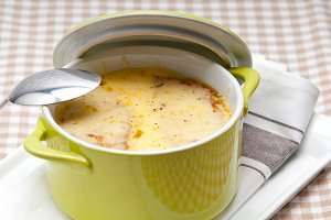 onions soup with melted cheese and toasts on top 03.jpg