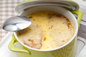 onions soup with melted cheese and toasts on top 04.jpg