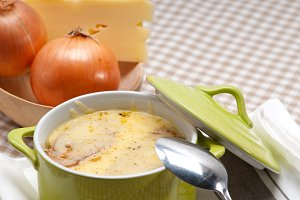 onions soup with melted cheese and toasts on top 15.jpg