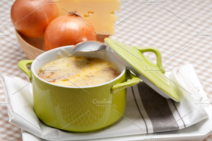onions soup with melted cheese and toasts on top 19.jpg - Food & Drink