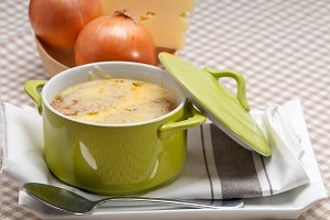 onions soup with melted cheese and toasts on top 20.jpg