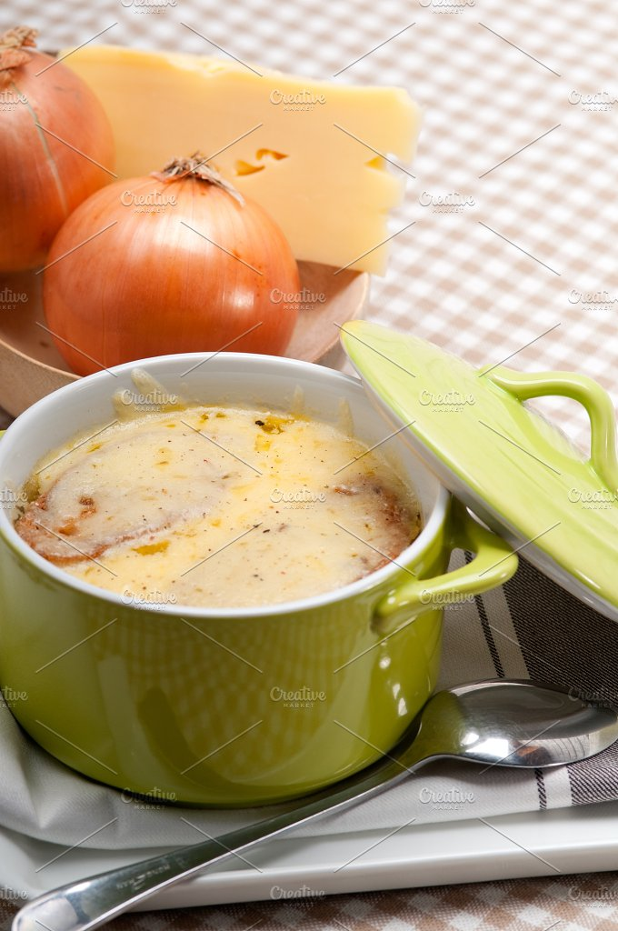 onions soup with melted cheese and toasts on top 23.jpg - Food & Drink