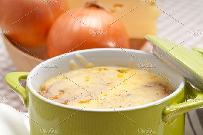 onions soup with melted cheese and toasts on top 26.jpg - Food & Drink