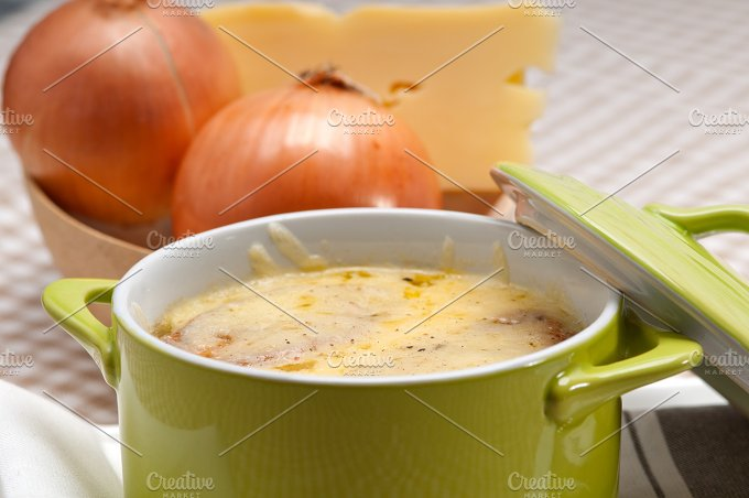onions soup with melted cheese and toasts on top 28.jpg - Food & Drink