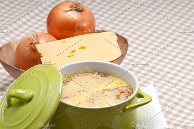 onions soup with melted cheese and toasts on top 33.jpg - Food & Drink