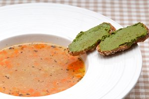 minestrone soup with pesto crostini on side 04.jpg
