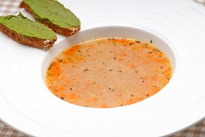 minestrone soup with pesto crostini on side 02.jpg
