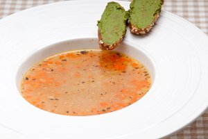 minestrone soup with pesto crostini on side 05.jpg