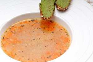 minestrone soup with pesto crostini on side 07.jpg