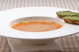 minestrone soup with pesto crostini on side 10.jpg