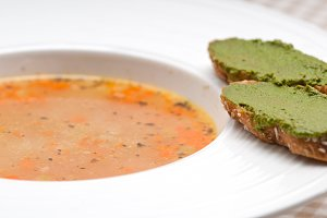 minestrone soup with pesto crostini on side 17.jpg