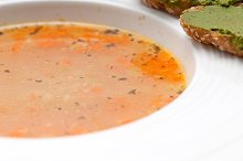 minestrone soup with pesto crostini on side 21.jpg