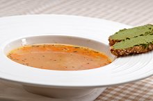 minestrone soup with pesto crostini on side 25.jpg