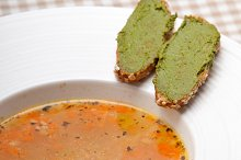 minestrone soup with pesto crostini on side 29.jpg