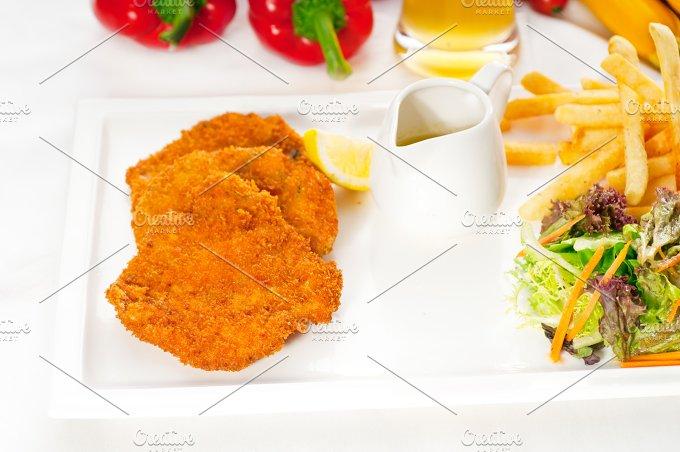 Milanese veal cutlets 02.jpg - Food & Drink
