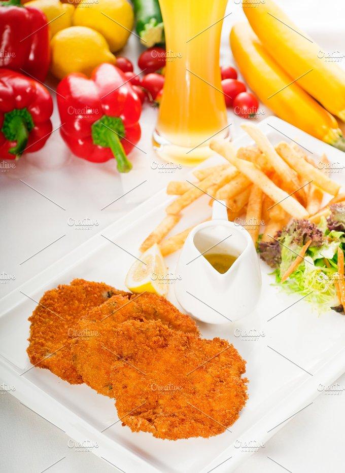 Milanese veal cutlets 04.jpg - Food & Drink
