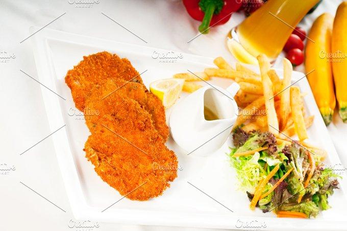 Milanese veal cutlets 03.jpg - Food & Drink