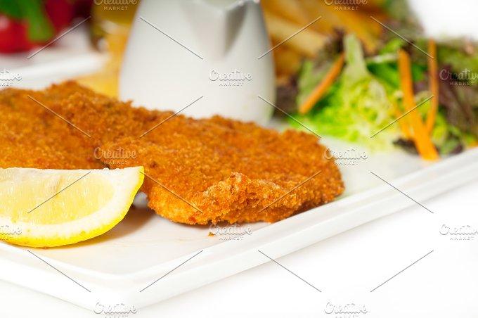 Milanese veal cutlets 01.jpg - Food & Drink
