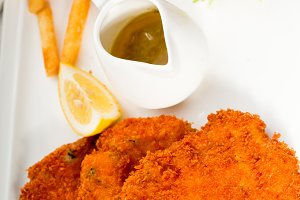 Milanese veal cutlets 05.jpg