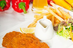 Milanese veal cutlets 09.jpg