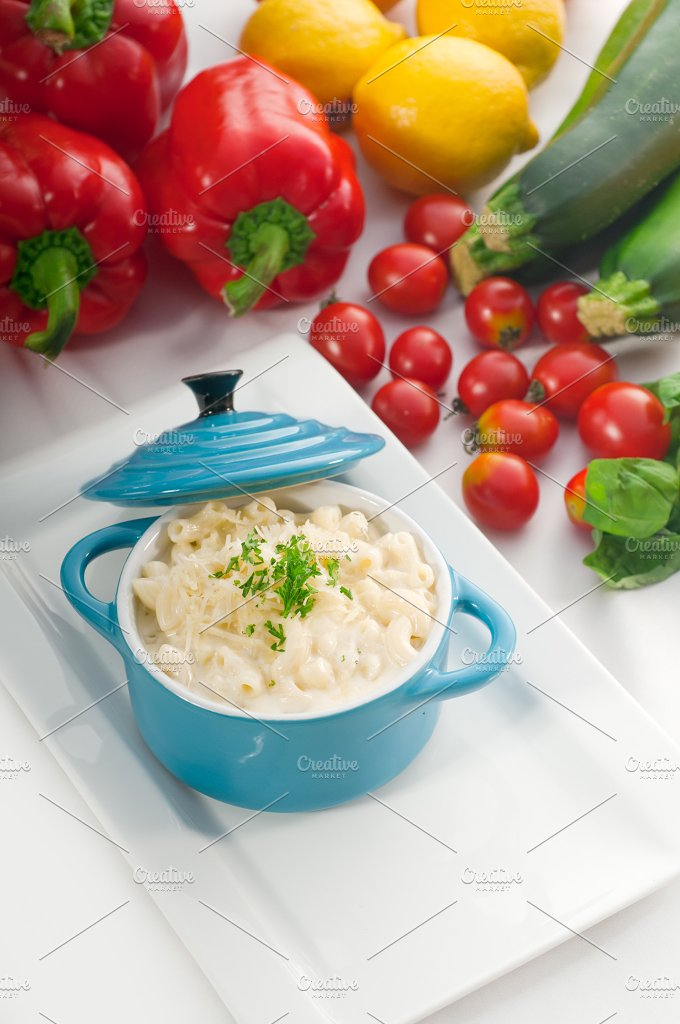 mac and cheese on a blue little pot 07.jpg - Food & Drink