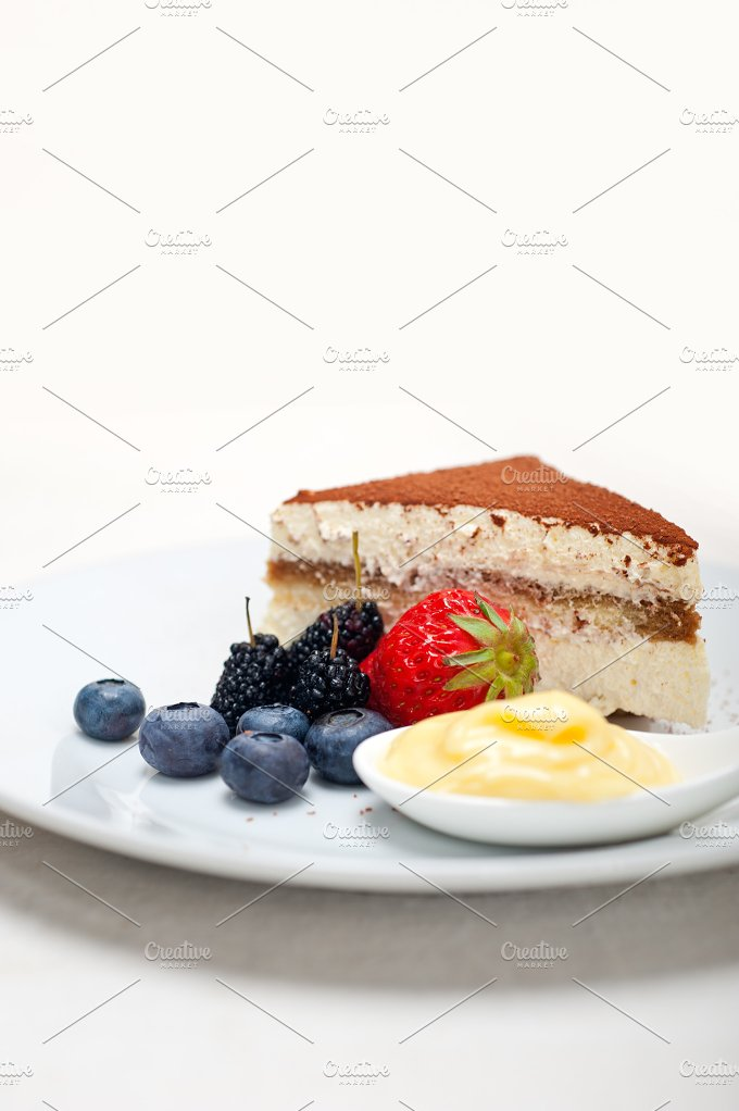 Italian tiramisu dessert 04.jpg - Food & Drink