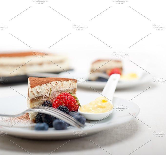 Italian traditional tiramisu 04.jpg - Food & Drink