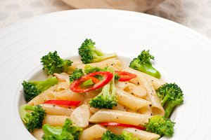Italian penne pasta with broccoli 02.jpg