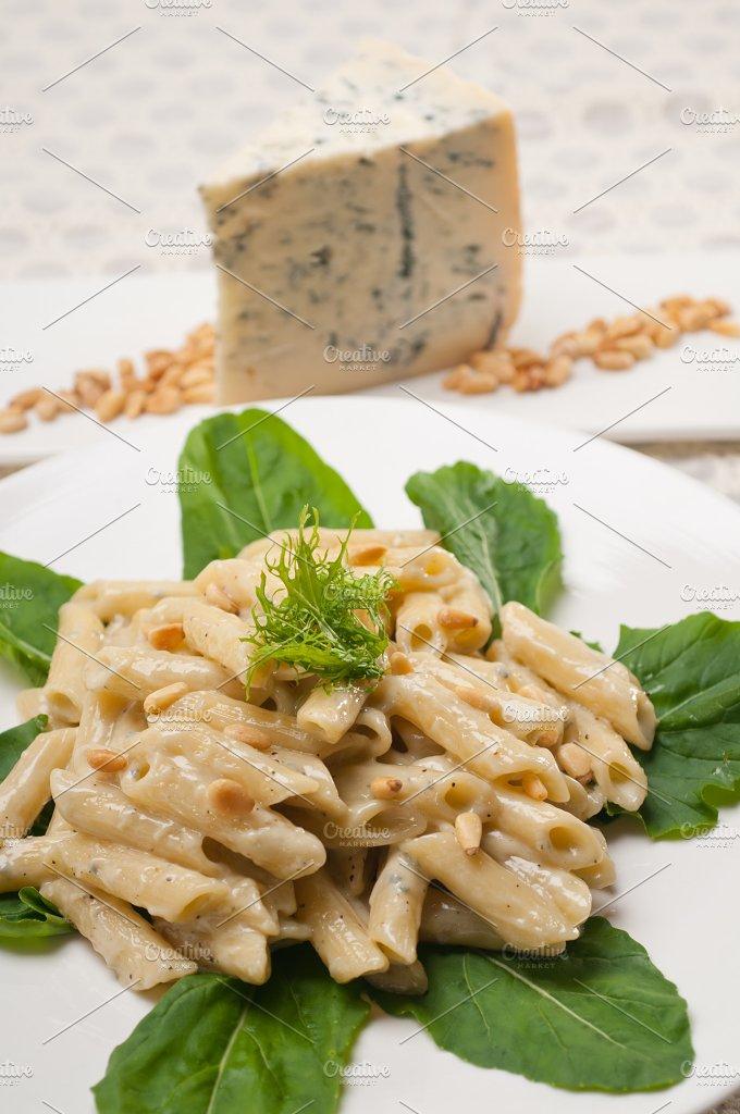 Italian pasta penne gorgonzola and pine nut 05.jpg - Food & Drink